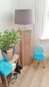 Vloerlamp lamp zuil lamp steigerhout