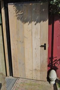 Poort gebruikt steigerhout