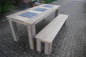 Tafel met bankje gebruikt steigerhout