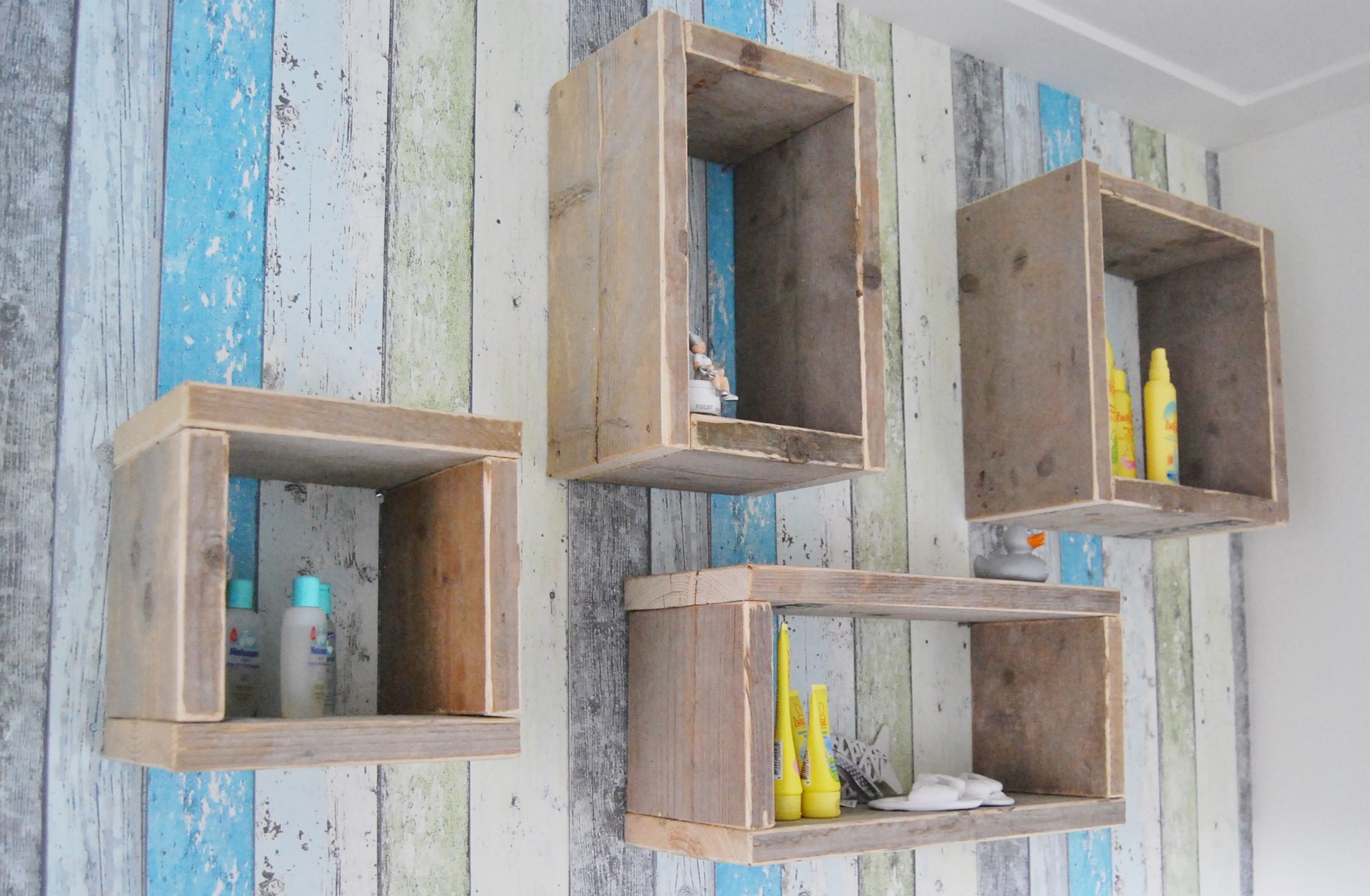 Boeken kasten steigerhout bouw en onderhoudsbedrijf m lankreijer - Decoratie zolder ...