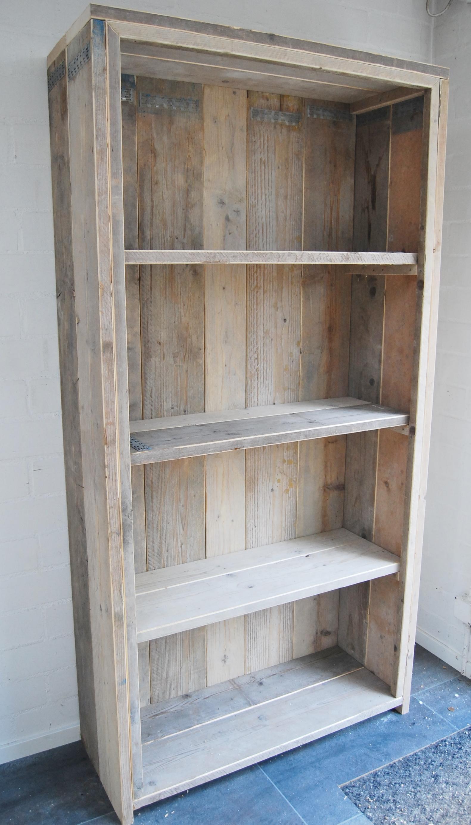 Boeken kasten steigerhout bouw en onderhoudsbedrijf m for Boekenkast steigerhout