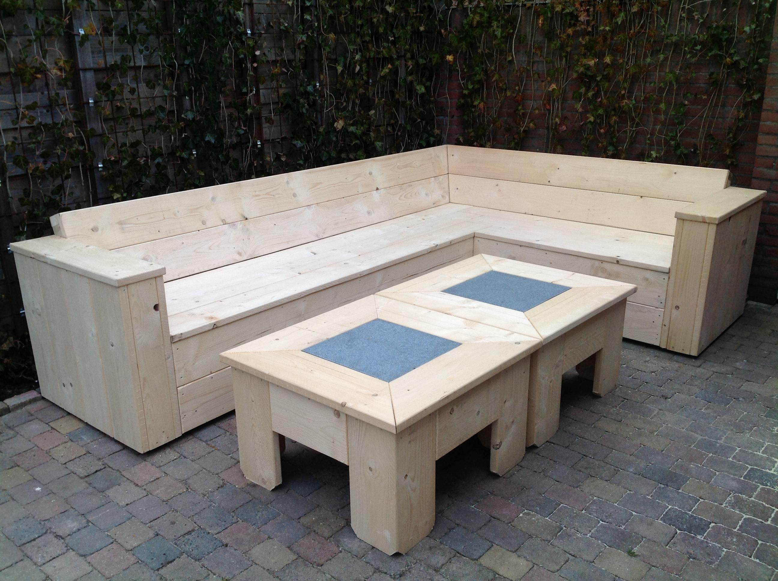 Loungebanken en hoekbanken nieuw en gebruikt steigerhout for Houten bankje steigerhout