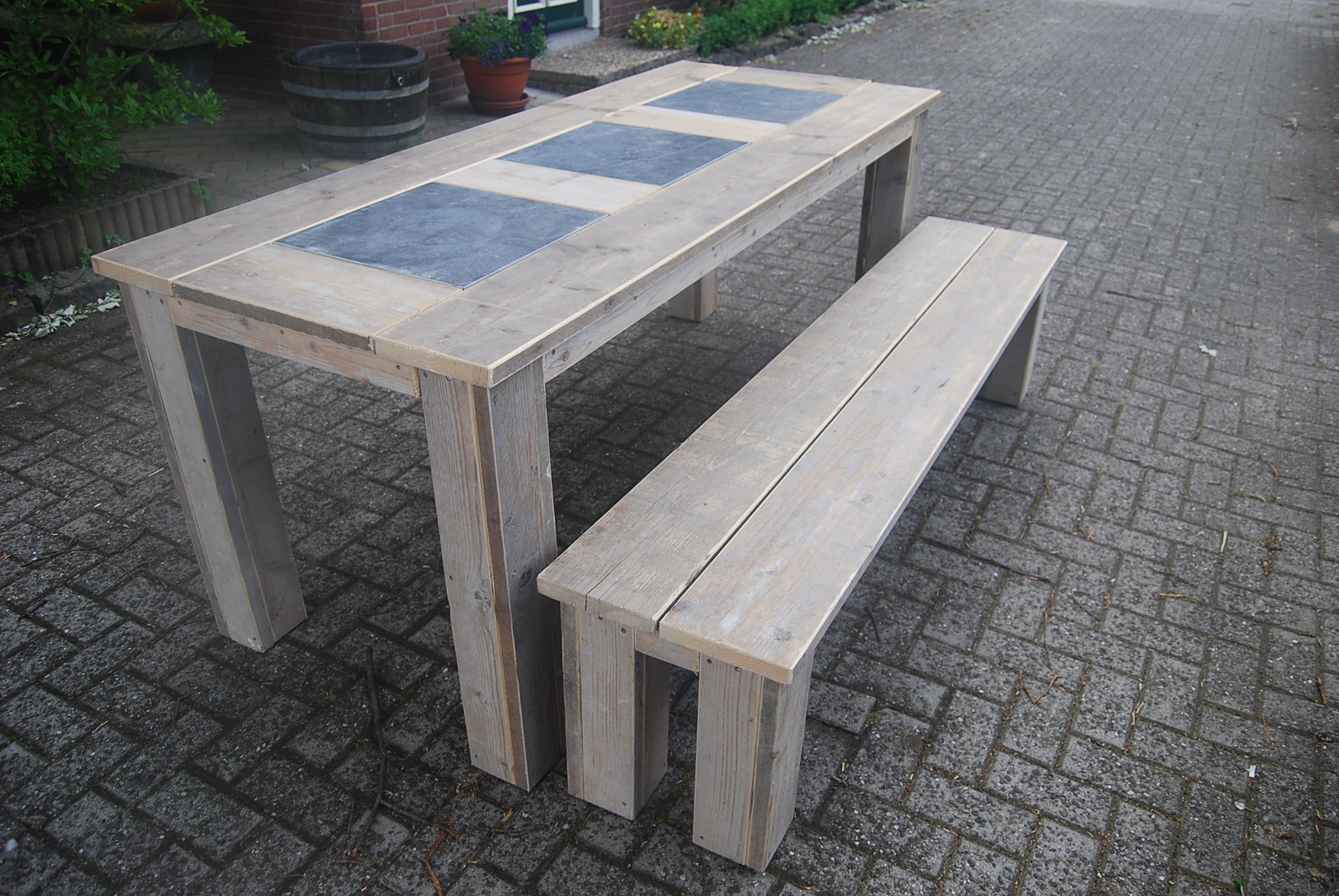 Steigerhouten tafel wageningen