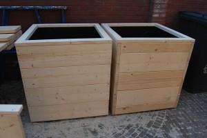 Vierkante plantenbak steigerhout
