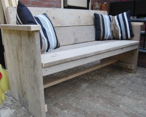 Tuinbank gebruikt steigerhout