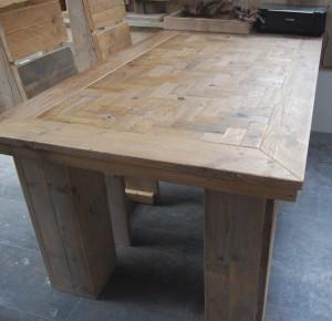 Tafel gebruikt steigerhout